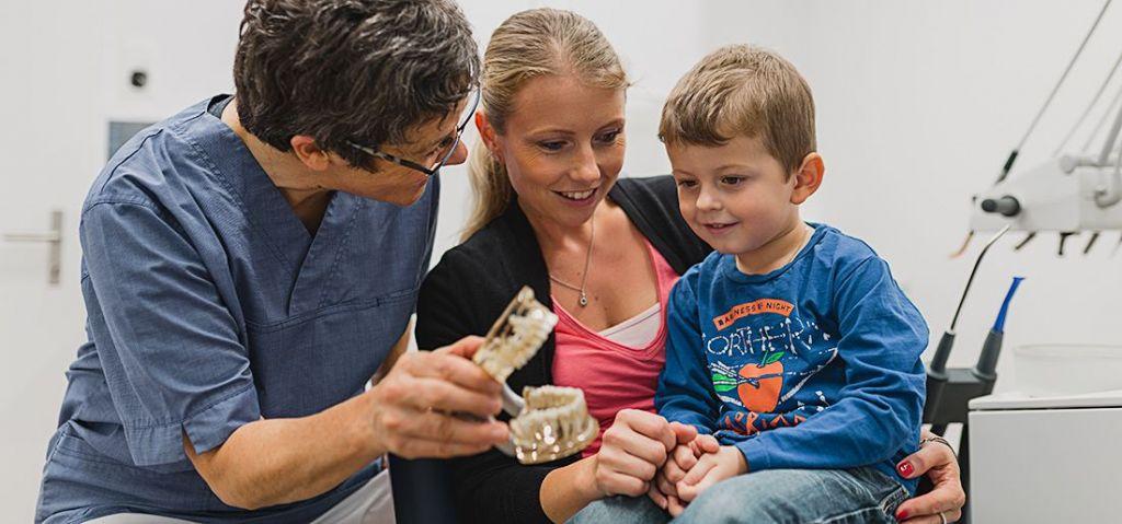 zahnarzt-lind.ch – Ihre Graubündner Familienzahnärzte Praxisrundgang